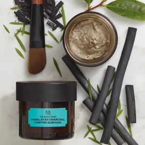 himalayan-charcoal-purifying-glow-mask-2_l.jpg